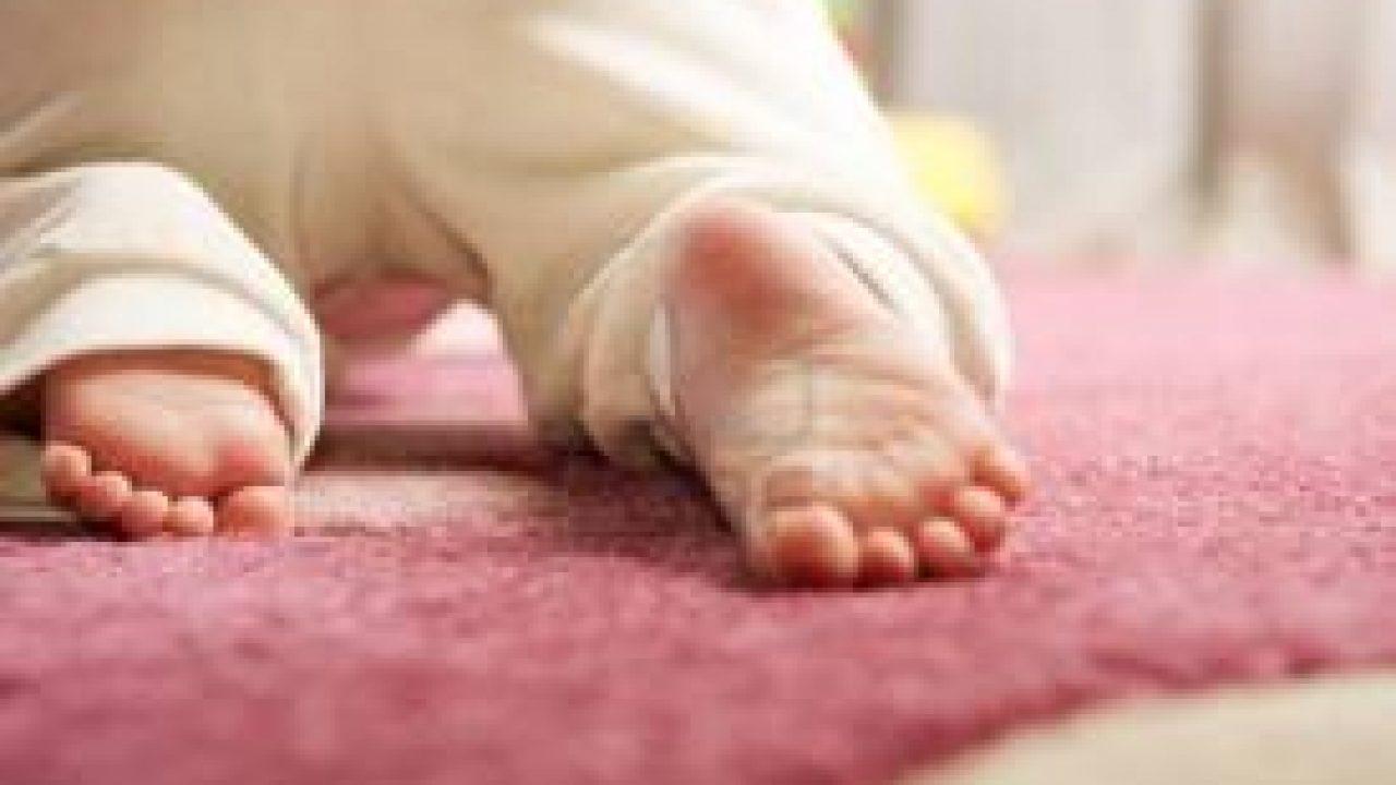 Quando Inizia A Gattonare Neonato andare a gattoni – sviluppo del neonato