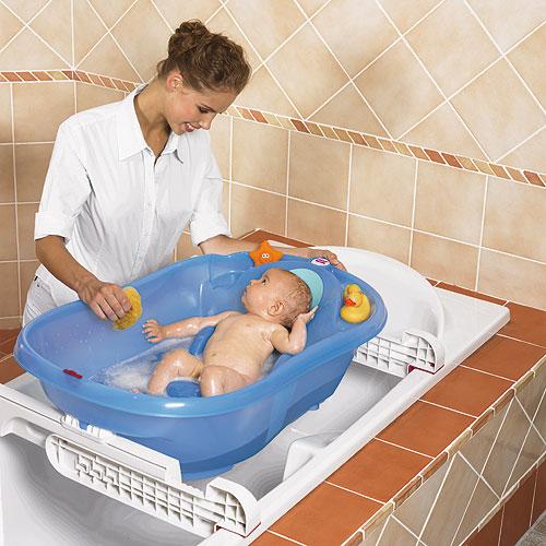 La vaschetta per il bagnetto del neonato